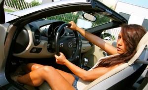 Vocabulaire anglais en rapport avec la voiture, la route et la conduite en vidéo